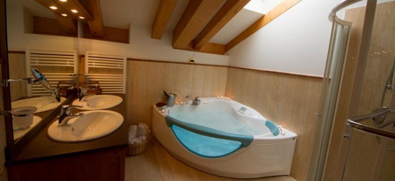 camera con vasca idromassaggio madonna di campiglio