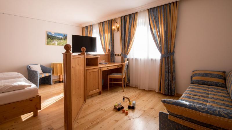 camera family hotel imperatore madonna di campiglio
