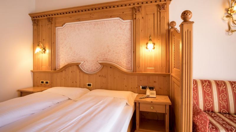 camera romantica hotel imperatore 2