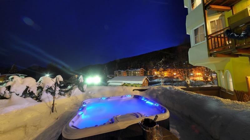 vasca esterna hotel madonna di campiglio imperatore